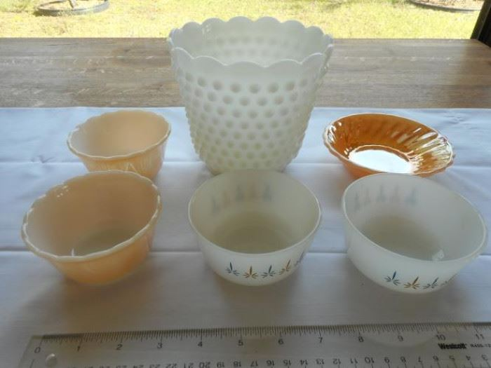 Lot of vintage Fireking glassware items - 6pcs. https://ctbids.com/#!/description/share/132664
