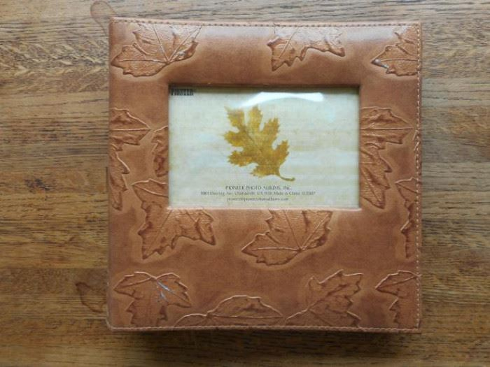 New Pioneer leather photo album w/leaf design https://ctbids.com/#!/description/share/132511