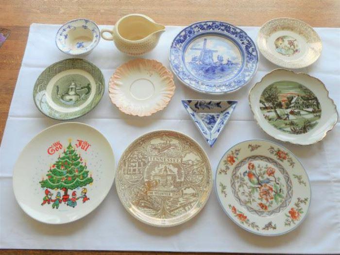 11 pc. Lot of Vintage US & European dish ware - Sweden, Victoria, Delft, Currier & Ives, Salem, Triumph,  https://ctbids.com/#!/description/share/132924