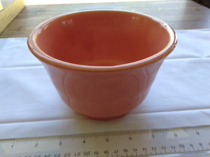 Vintage orange Haeger #3833 footed planter    https://ctbids.com/#!/description/share/132513