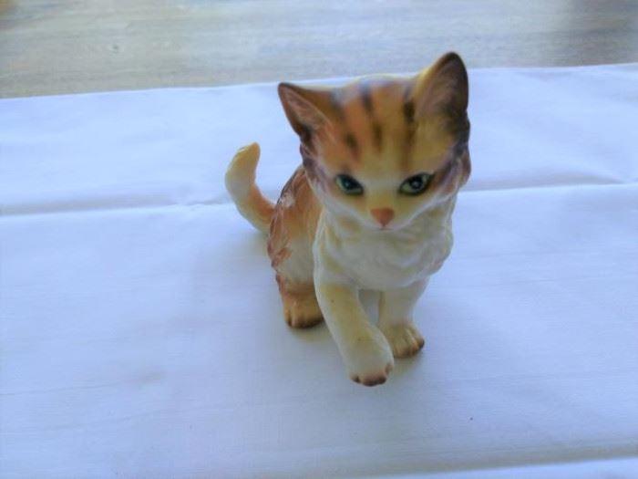 """Vintage China Kitten Figurine #42942 4"""" tall. https://ctbids.com/#!/description/share/132518"""