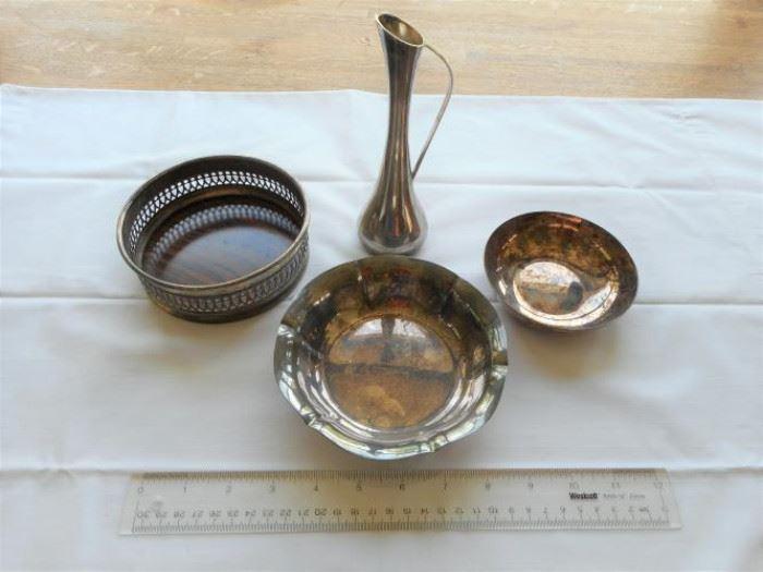 4pc. Lot Vintage silver plate - Sheffield, Reed & Barton      https://ctbids.com/#!/description/share/132937