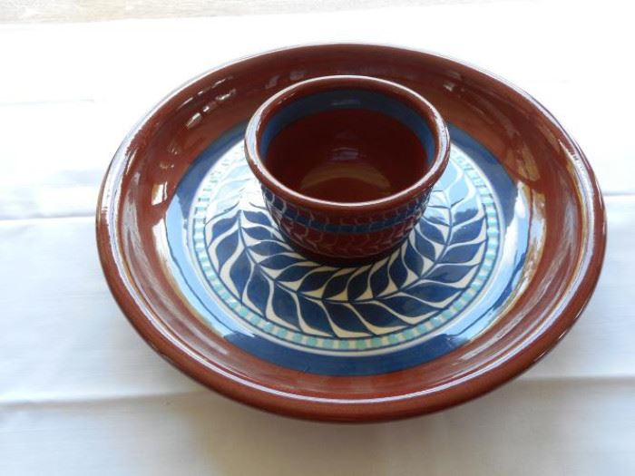 """Pc Pottery Chip N Dip set - classic red/brown and blue design - 11 1/2"""" dia https://ctbids.com/#!/description/share/133003"""