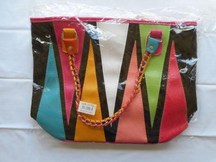 "New Multi color purse - 15 x 12"" - zipper top with 2 comp inside https://ctbids.com/#!/description/share/133005"