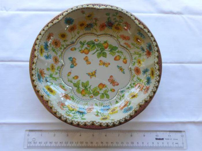 "Vintage Daher Decorated Ware metal plate England 10"" dia                   https://ctbids.com/#!/description/share/132557"