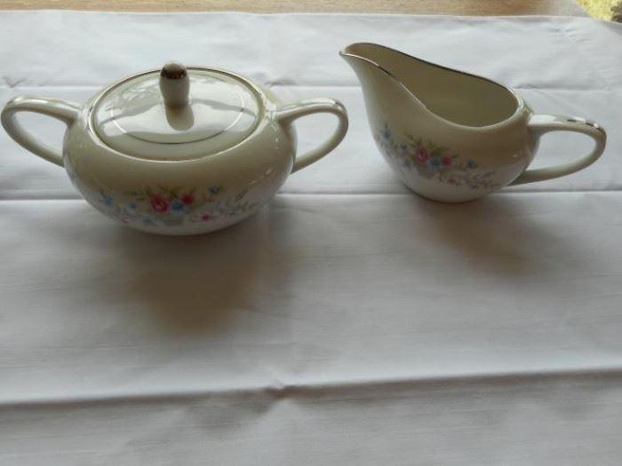 vintage Florenteen Fine China sugar & creamer set - Made in Japan    https://ctbids.com/#!/description/share/132558