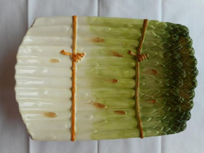 Asparagus dish, Made in Italy https://ctbids.com/#!/description/share/132562
