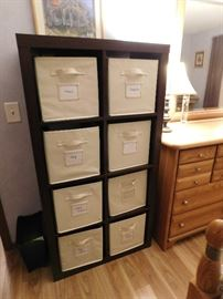 cube dresser with inserts