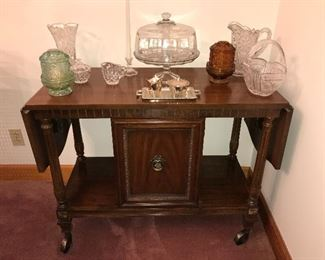 Vintage formal dining group by Thomasville—china cabinet, buffet, server, table and 6 chairs.