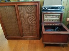 Vintage Magnavox Stereo Console With Large Speaker Box