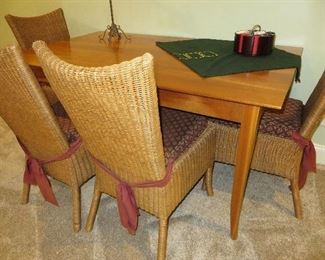 CHERRY FINISH DINING TABLE ROOM & BOARD RATTAN DINING CHAIRS (set of 4) ROOM & BOARD