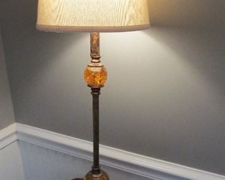 TABLE LAMP WITH TWO AMBER GOLD BALL