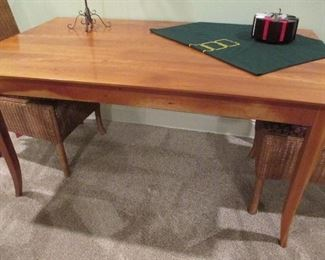 CHERRY FINISH DINING TABLE ROOM & BOARD