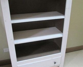 3 SHELVES WHITE WITH LOWER DRAWER