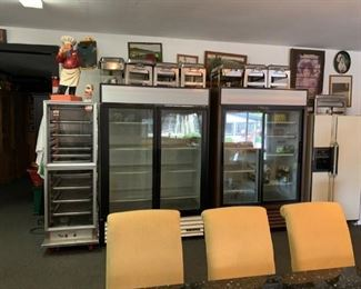 1 Commercial refrigerator for sale. Pre-sale available. Please text a best offer to 847-772-0404.