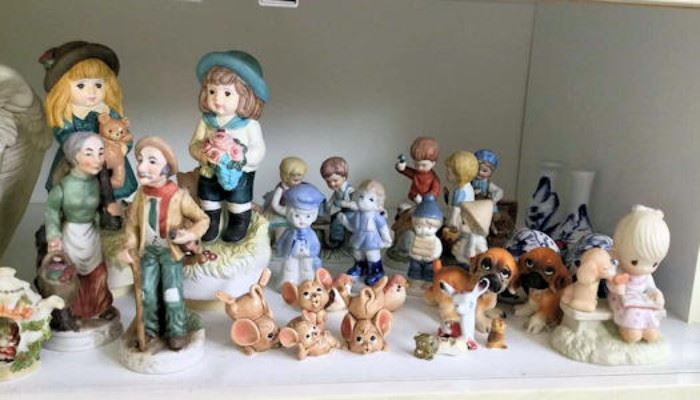 WWT016 Vintage Collectible Figurines