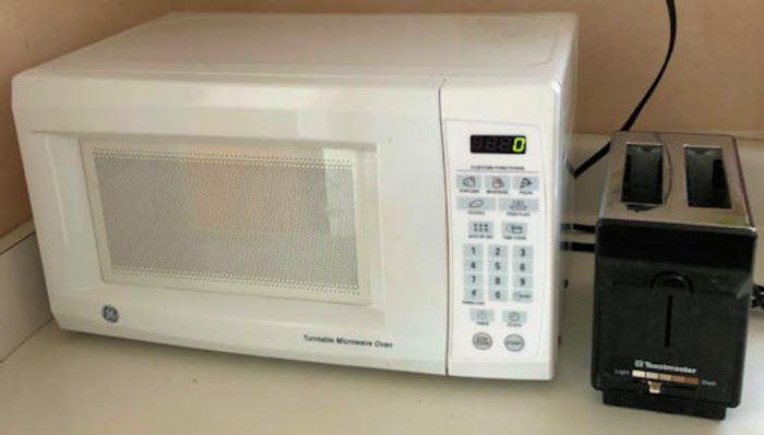 WWT022 GE Microwave and Toastmaster