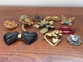 Vintage Pins & Morehttps://ctbids.com/#!/description/share/134618