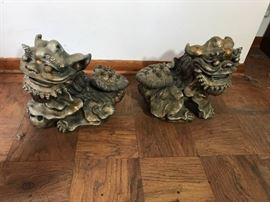 Foo Dog Lot #21 https://ctbids.com/#!/description/share/134608
