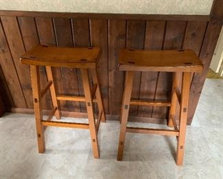 2 sets of Barstools including this seet