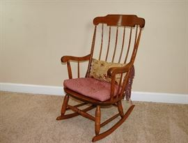 """Nicholas Stone Solid wood (Maple)?  Rocking chair. 40"""" Tall x 24"""" Wide ~ 14"""" seat height."""