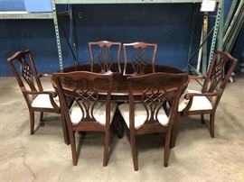 High End Drexel Heritage formal dining room table and chairs set.