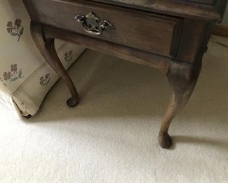 Ethan Allen side table with drawer