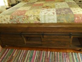 Barn wood king bed (2 yrs old)