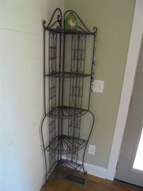 Wrought iron 5 shelf corner bakers rack