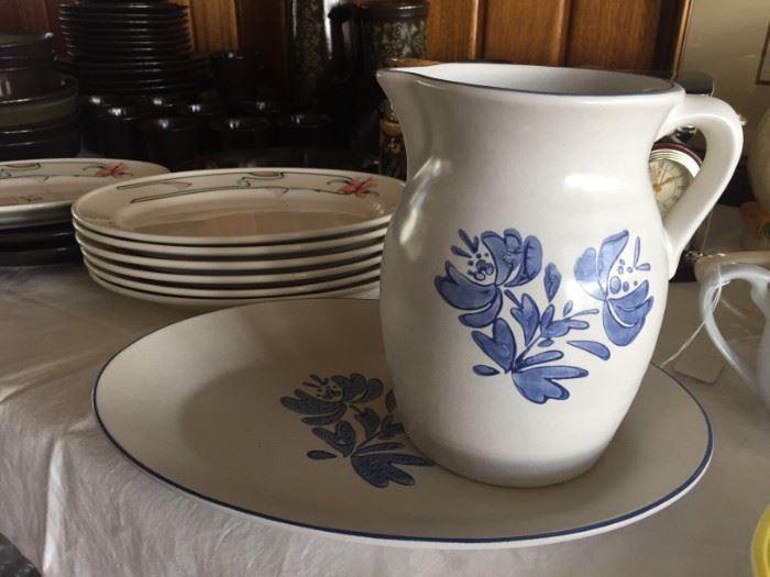 Pfaltsgraph pitcher and platter
