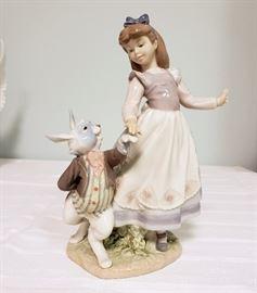 "Lladro #5740 ""Alice in Wonderland"""