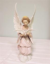 "Lladro #6131 ""Angel of Peace"""