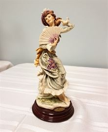 "Giuseppe Armani ""Violet"" #756 - 1998 Figurine of the Year"
