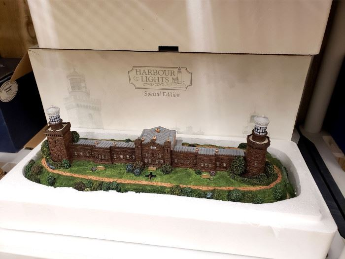 """Harbour Lights """"Navesink Twin Lights - New Jersey"""" special edition with box"""