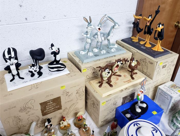 """Warner Bros / Looney Tunes """"The Model Sheet Maquettes"""" limited edition figurines with boxes"""