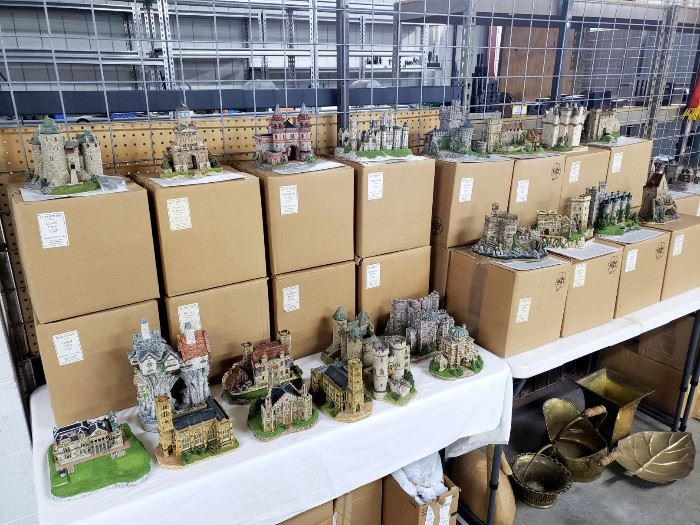 Large collection of JP Editions miniature models of castles / buildings - most are with the original boxes