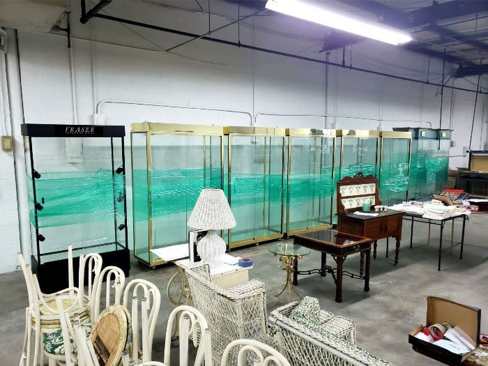 8 Lighted display cases!