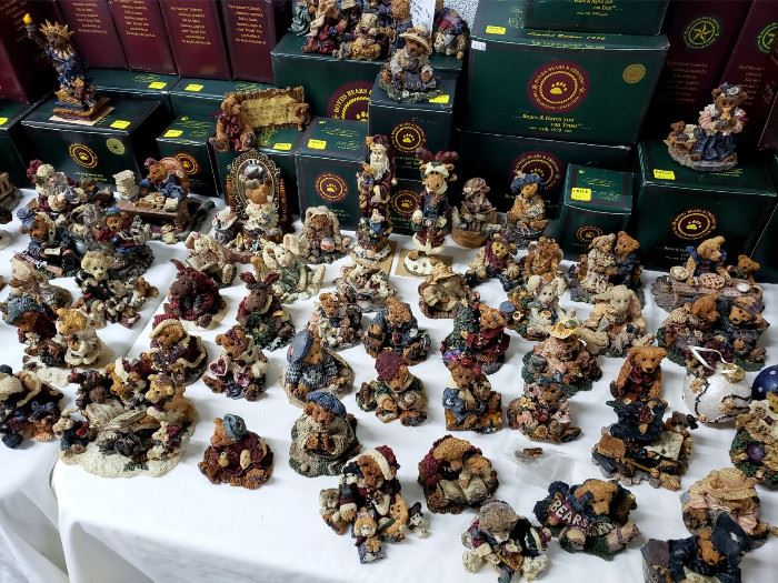 HUGE collection of Boyds Bears and Friends - many still in the boxes!!!