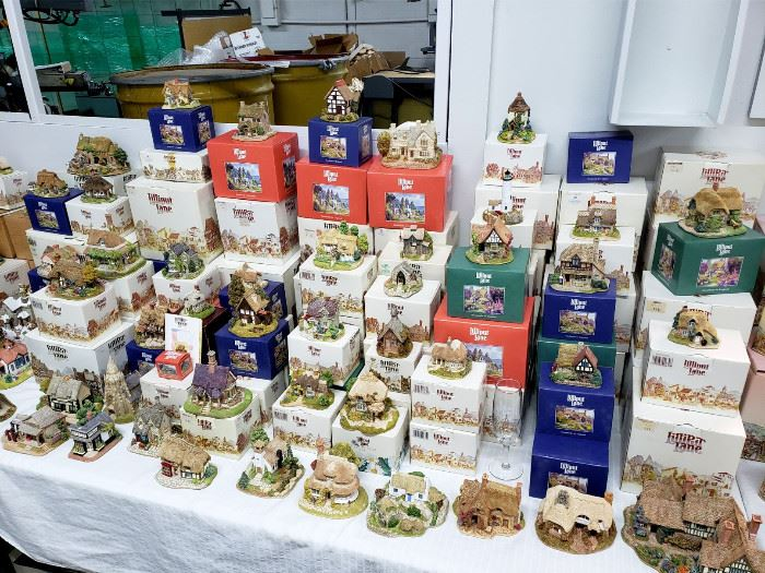 Lilliput Lane cottages - many still in the boxes!