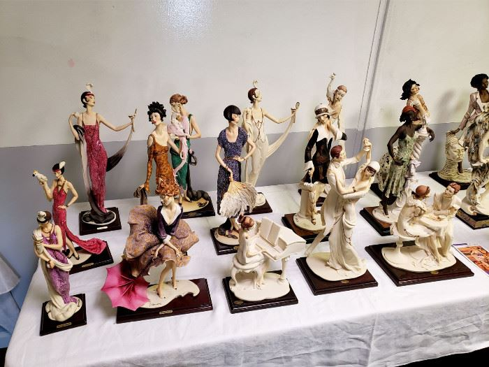 Massive collection of Giuseppe Armani figurines - many are limited edition (see the bottom half of the photo gallery for indiviual photos of the figurines)