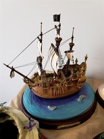"""Walt Disney Classics Collection """"Enchanted Places - Peter Pan - """"The Jolly Roger"""""""