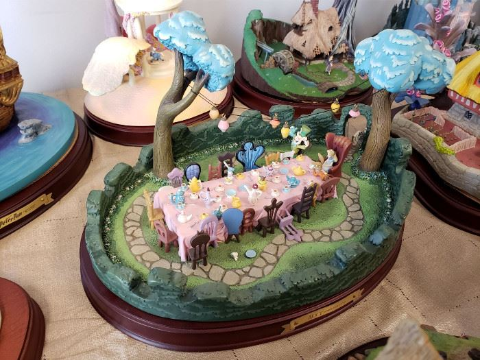"""Walt Disney Classics Collection - Enchanted Places - Alice in Wonderland - """"A Tea Party in Wonderland"""""""