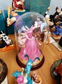 Walt Disney Classics Collection - Sleeping Beauty - Princess Aurora's Dress / A Dress a Princess Can Be Proud Of