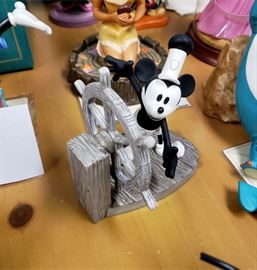 Walt Disney Classics Collection - Steamboat Willie / Mickey's Debut