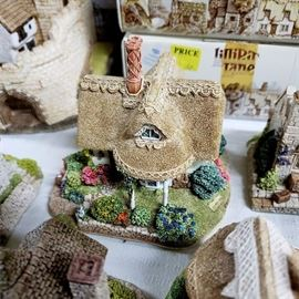 """Lilliput Lane - English Collection: South East - """"Cradle Cottage"""""""