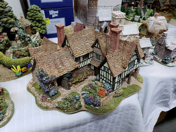 """Lilliput Lane - Founder's Choice - """"The Almonry"""""""