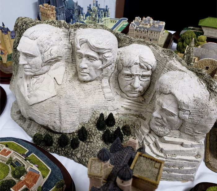 """Fraser Creations - The American Landmark Collection - """"Mount Rushmore"""""""