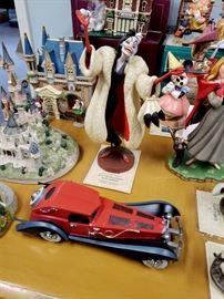 Walt Disney Classics Collection - 101 Dalmatians - Cruella DeVil and her car