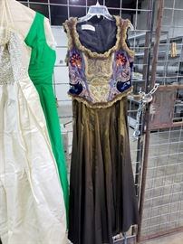 Beautiful Ella Singh couture 2-piece set - long skirt and sleeveless top. Size 14