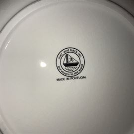 OVER AND BACK DINNERWARE